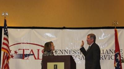 Justice Jeff Bivins sworn in as Chief Justice by Justice Cornelia Clark